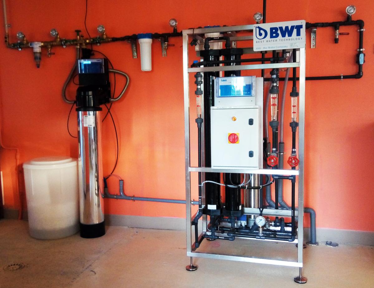 Vue du pilote de production d'eau osmosée